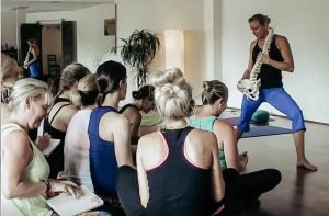 albury yoga teacher course
